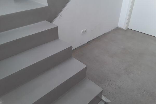 beton_cire_treppe_neuss_111EDA494E-F8C6-BE1C-C07A-E649505EB5C3.jpg