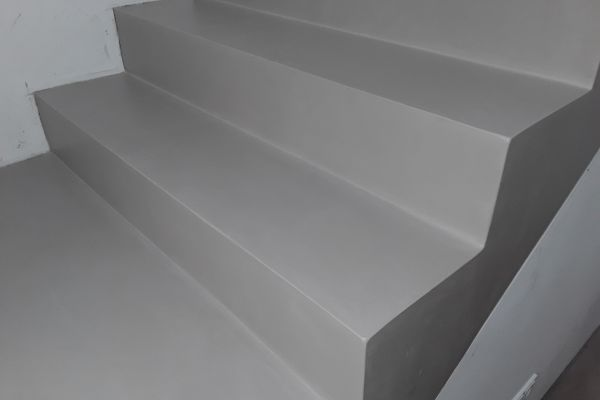 beton_cire_treppe_neuss_139774005E-1AF7-07A0-C9FE-45CFAC72071D.jpg