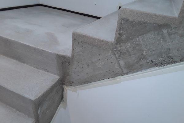 beton_cire_treppe_neuss_34B444A1F-358F-E5DE-094B-AD9150E56E98.jpg
